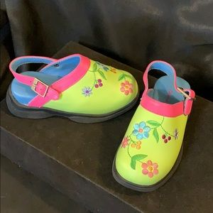 Hanna Anderson  kids Green & Pink Shoes -25
